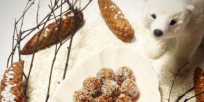 Mullbärs praliner med kanel, kokos och vanilj - RAW, Paleo och LCHF