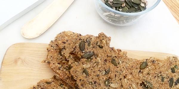 Fröknäcke - supergott och enkelt att baka - glutenfritt, paleo och lowcarb