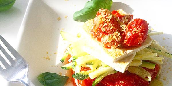 zucchinipasta tomatsås tofu