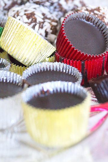 Vegansk ischoklad i formar.