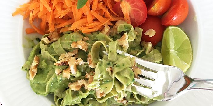 Krämig pastasås avokado spenat - vegan