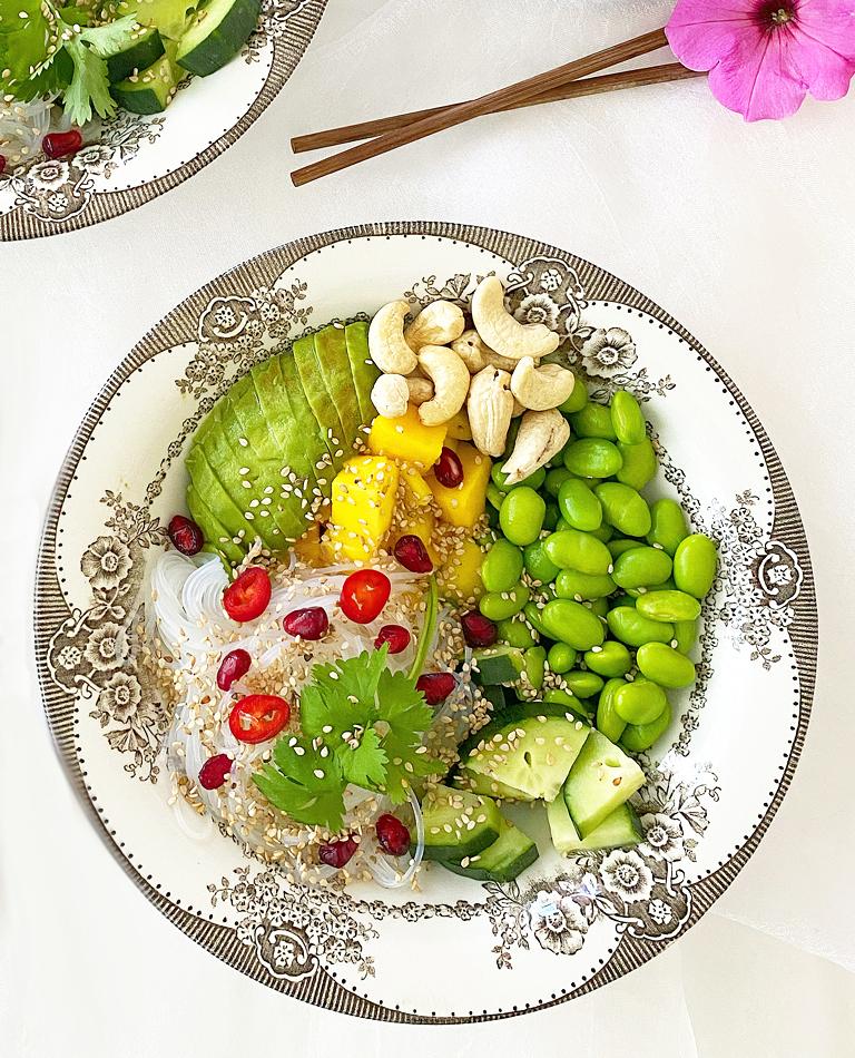 Ett fat med veggie bowl.